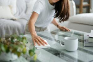 Które miejsca w domu najczęściej pomijamy przy sprzątaniu?